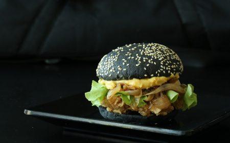 Goed gekruide kipburger