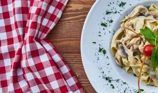 Pasta met champignon en kip